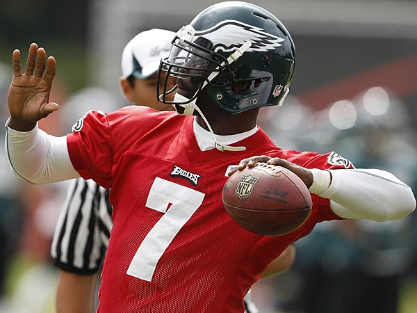 Vick starts 1st game, Foles to start the next