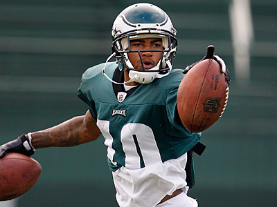 DeSean Jackson finally broke his code of silence and talked to reporters for the first time this training camp. (David Maialetti / staff photographer)