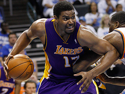 Andrew Bynum will reportedly undergo a non-invasive knee procedure in Germany. (Sue Ogrocki/AP Photo)