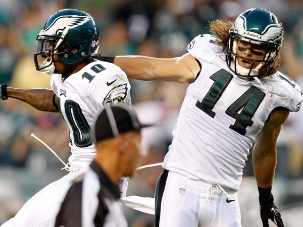 Riley Cooper celebrates with DeSean Jackson. (Ron Cortes/Staff Photographer)