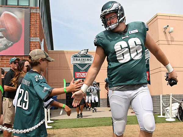 stoutland online dating Eagles offensive line coach jeff stoutland (left) speaks with rookie right tackle  halapoulivaati vaitai on the bench after the rookie gave up a.