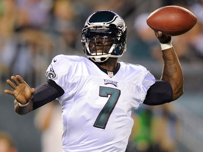 Michael Vick was afraid he broke his thumb last night and came out of the game. (AP Photo/Michael Perez)