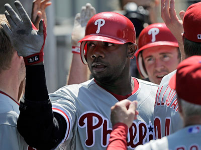 Ryan Howard´s game-winning homer on Wednesday was the climax of a successful West Coast road stand. (Mark J. Terrill/AP)