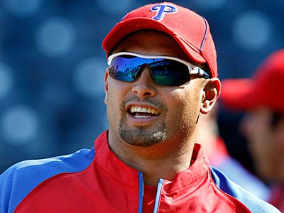 Shane Victorino has remained popular with Phillies fans. (Gene J. Puskar/AP)