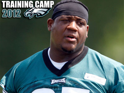 King Dunlap has moved ahead of Demetress Bell on the Eagles´ depth chart. (David Maialett/Staff Photographer)