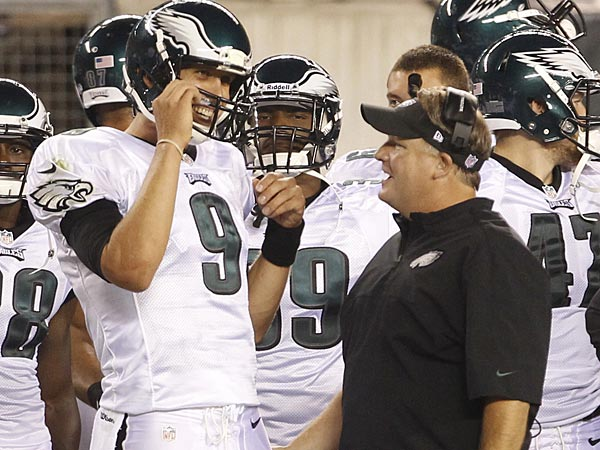 Eagles quarterback Nick Foles (left) and head coach Chip Kelly (right). (Ron Cortes/Staff Photographer)