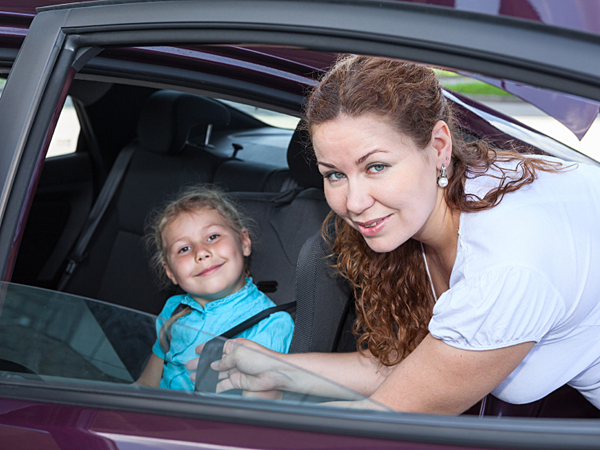 Talking to your children when they are in the car with you can help you remember they are there. (iStock)