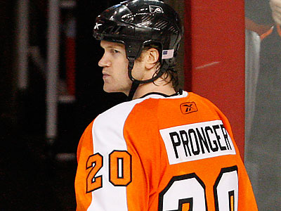 Chris Pronger will be a game-time decision for tonight´s home opener. (David Maialetti/Staff file photo)