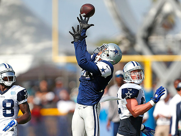 Cowboys cornerback Orlando Scandrick (center) was suspended four games by the NFL for testing positive for an illegal substance (Ron Jenkins/Fort Worth Star-Telegram/MCT)