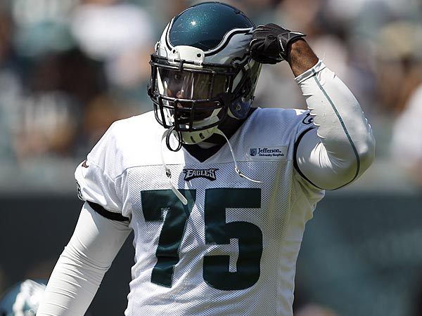 Eagles defensive end Vinny Curry. (David Maialetti/Staff Photographer)