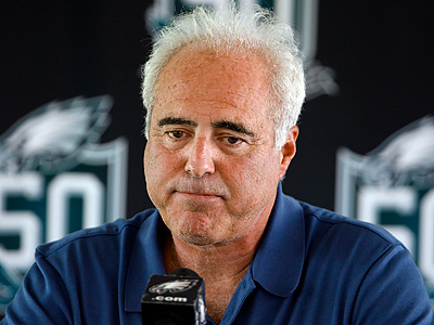 Don´t look so sad, Jeff! The Eagles are worth $1.1 billion! (David Maialetti / Staff Photographer)