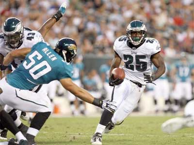 Eagles RB LeSean McCoy had a good showing Friday night against the Jaguars. (Yong Kim / Staff Photographer)