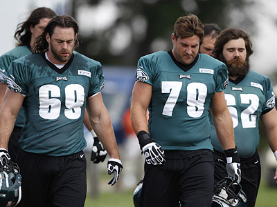 Veterans Evan Mathis and Todd Herremans lead a solid offensive line for the Eagles. (David Maialetti/Staff Photographer)