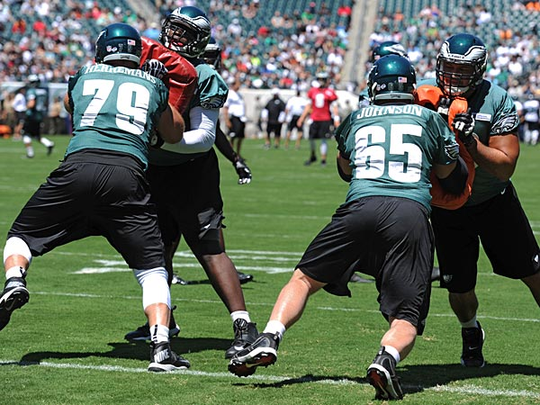 Eagles offensive lineman Todd Herremans (left) and Lane Johnson (right). (Clem Murray/Staff Photographer)