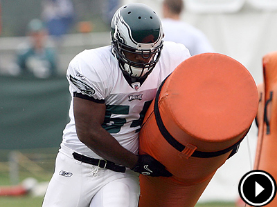 Eagles rookie Brandon Graham runs drills this morning during training camp. (Yong Kim / Staff Photographer)