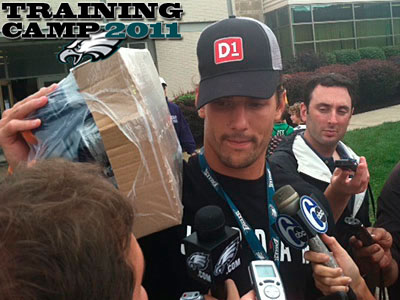 Riley Cooper lugs home leftover Gatorade after the Eagles´ final practice of training camp. (Photo by Les Bowen)
