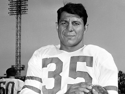 Eagles Hall of Fame receiver Pete Pihos, seen here in 1952, died Tuesday. (AP File Photo)