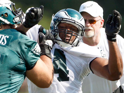 Frank Trotter, middle, has been signed to the Eagles practice squad. (Yong Kim/Staff Photographer)