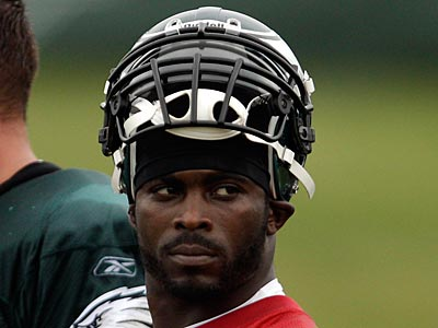 Michael Vick´s comments in a GQ article sparked controversy. (David Maialetti/Staff Photographer)