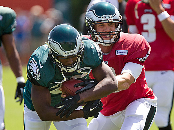 Eagles Notes:  McCoy says toe injury sidelined him on Sunday