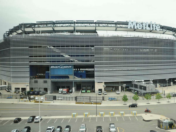 MetLife stadium across from Meadowlands racetrack in North Jersey. (File photo: Ron Tarver / Staff Photographer)