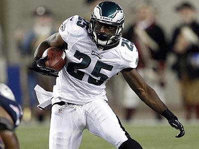 Eagles running back LeSean McCoy rushed for 1,309 yards and 17 touchdowns last season. (Yong Kim/Staff Photographer)