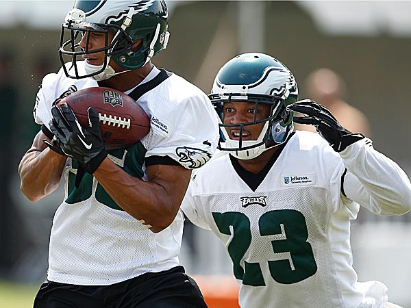 The Eagles´ Jordan Poyer (left) and Patrick Chung (right). (David Maialetti/Staff Photographer)