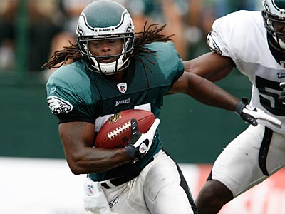 Running back Eldra Buckley is fighting for a spot on the Eagles roster. (David Maialetti / Staff Photographer)