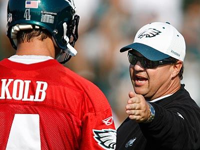 """""""In the preseason, we don´t show much at all,"""" offensive coordinator Marty Mornhinweg said. (David Maialetti / Staff Photographer)"""