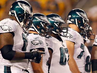 Which of the Eagles´ offensive linemen will make the cut? (Yong Kim/Staff Photographer)