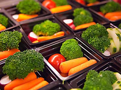 &quot;Rightsized&quot; fruit and vegetable meal portions are part of the new USDA strategies to increase students&acute; consumption of healthier foods. (USDA photo)
