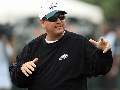 Offensive coordinator Marty Mornhinweg said consistency is needed throughout the offense. (Yong Kim/Staff file photo)