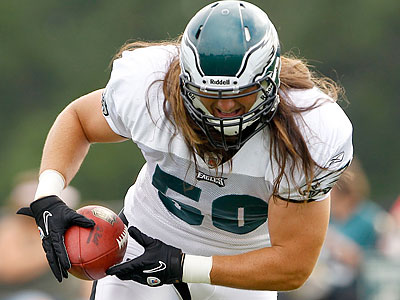 Casey Matthews targeted Eagles fans with his comments on Twitter. (Yong Kim/Staff file photo)