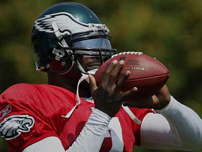 Michael Vick will see his first action with the Eagles in Thursday night´s preseason game against the Jaguars. (AP)