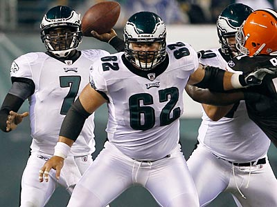 Eagles rookie center Jason Kelce blocks for Michael Vick on Thursday night against the Browns. (Yong Kim/Staff Photographer)