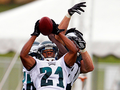 The Eagles have reportedly released cornerback Joselio Hanson.  (David Maialetti / Staff Photographer)