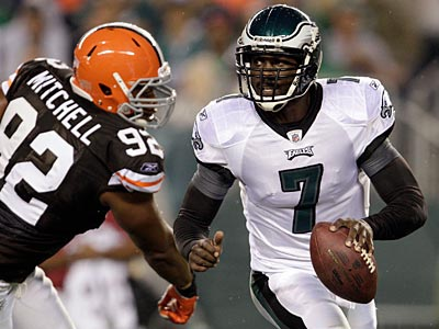 The Eagles and Michael Vick have agreed to a six-year contract worth $100 million. (David Maialetti/Staff Photographer)