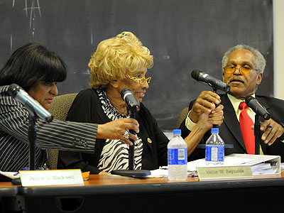 PHA board members Jannie Blackwell, Nellie Reynolds and John Street during Thursday´s public meeting. (Sarah J. Glover / Staff Photographer)