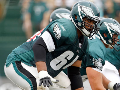 Right tackle Ryan Harris has been sidelined since the Eagles´ preseason opener. (Yong Kim/Staff Photographer)