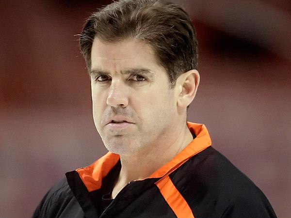 Flyers coach Peter Laviolette. (David Maialetti/Staff Photographer)