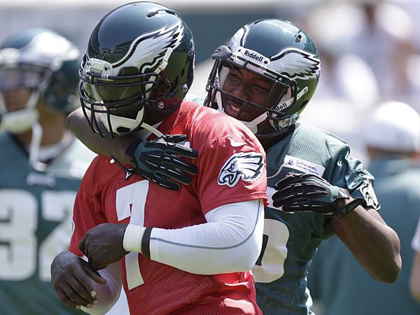 Eagles quarterback Michael Vick (left) and running back LeSean McCoy (right). (David Maialetti/Staff Photographer)