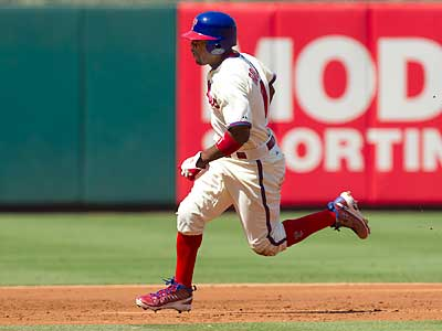 Jimmy Rollins apologized after he was benched after he failed to run out a pop-up during Thursday. (Ed Hille/Staff Photographer)