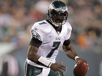 Michael Vick could be the Eagles´ answer in short-yardage situations. (Yong Kim/Staff Photographer)