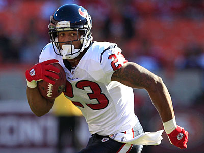 Should Arian Foster be avoided in the first round due to his hamstring? (Marcio Jose Sanchez/AP)