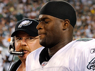 Quarterback Vince Young is among the Eagles´ inactives tonight. (Henry Ray Abrams/AP file photo)