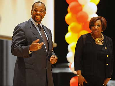 Former Philadelphia schools Superintendent Arlene Ackerman (right) and interim superintendent Leroy Nunery, formerly Ackerman´s deputy, during the annual convocation of principals at Lincoln High School. (Clem Murray / Staff Photographer)