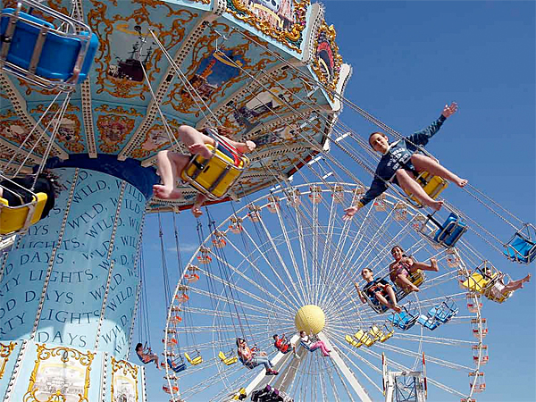 Wave Swinger at Morey´s Piers in Wildwood, NJ. (Akira Suwa/Staff Photographer)