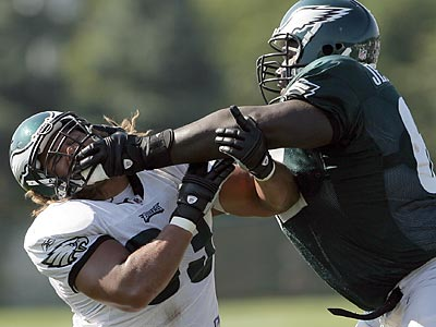 G Max Jean-Gilles re-signed with the Eagles a day after being released. (Yong Kim/Staff Photographer)