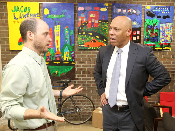Superintendent Bill Hite (right) talks with Principal Dan Lazar of Greenfield Elementary in this file photo. Today is the first day of school for Philadelphia public school students.