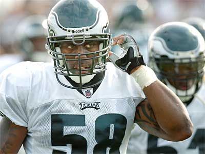 Trent Cole with lead the Eagles´ defensive line in 2009. (Clem Murray / Staff Photographer)
